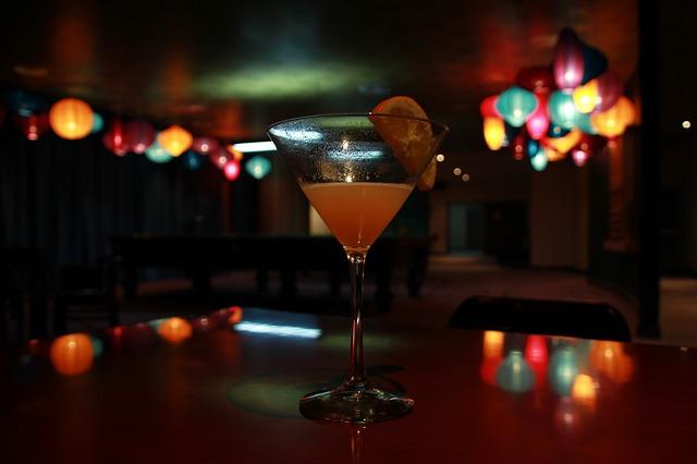 cocktail bars photo