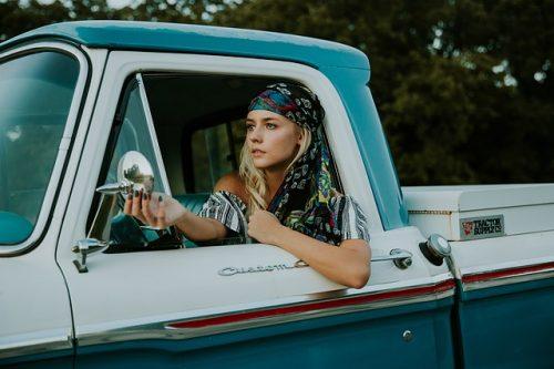 woman car photo