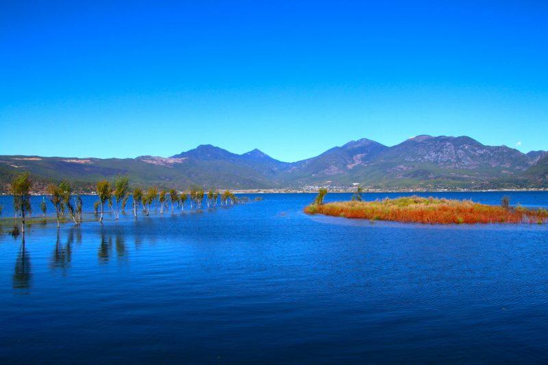 Lashi Lake China expat retreat photo