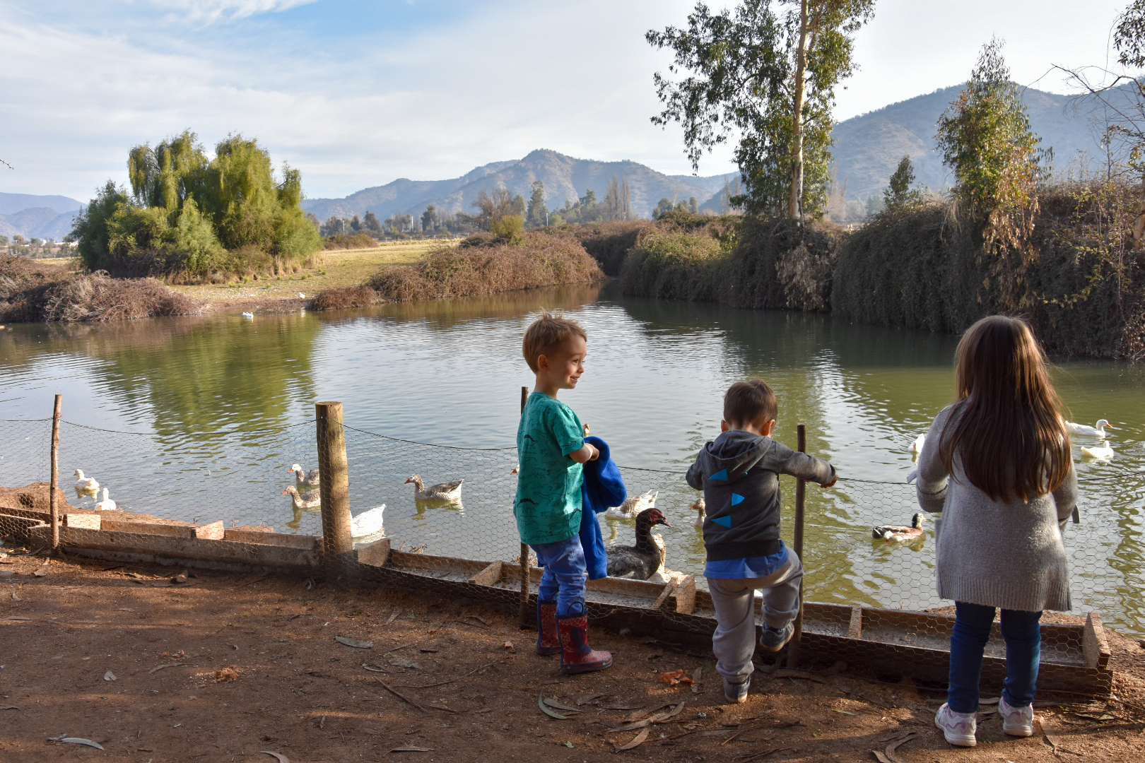 children at Lo Pirque