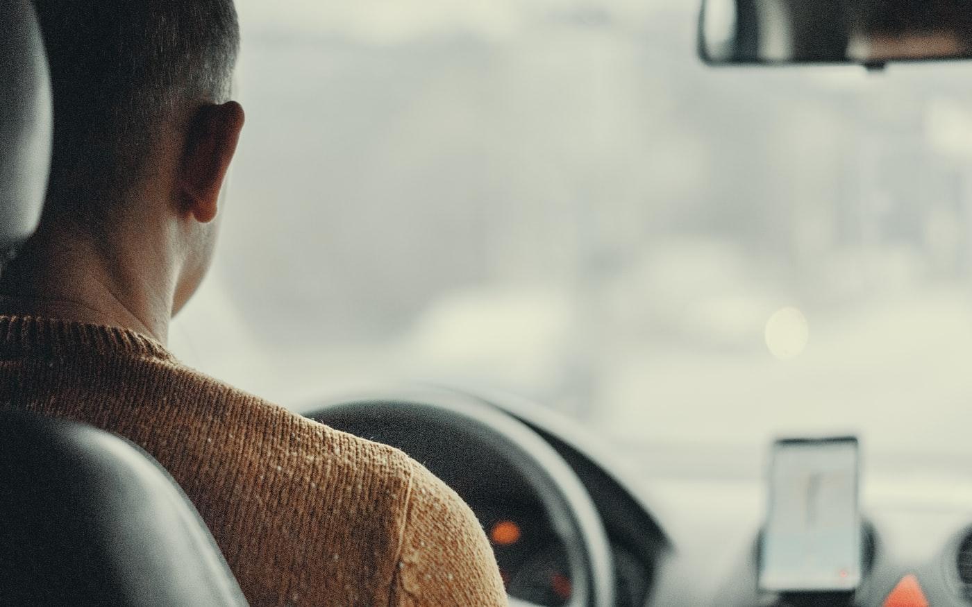 conductor de viaje compartido