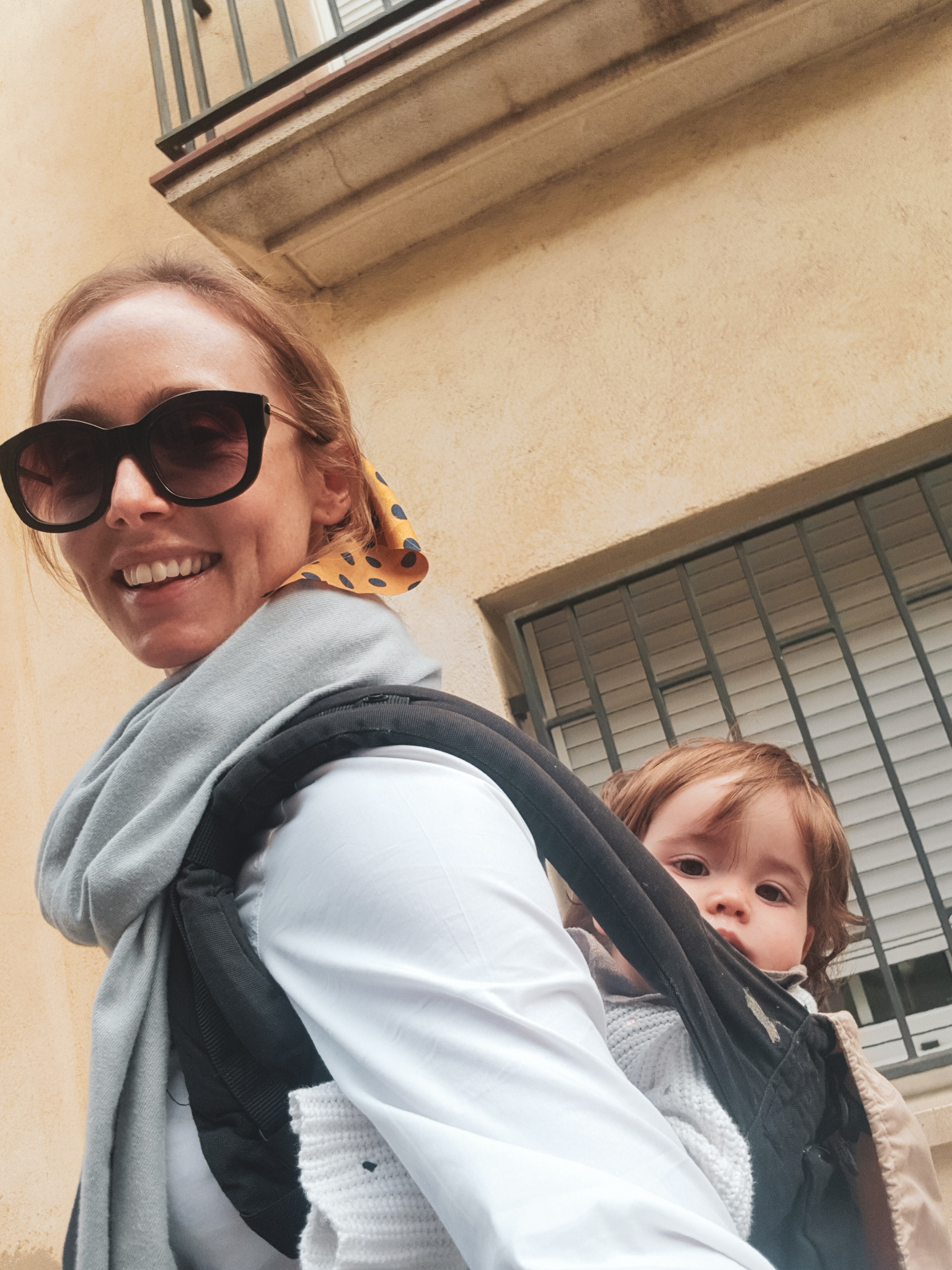 expat mom with child