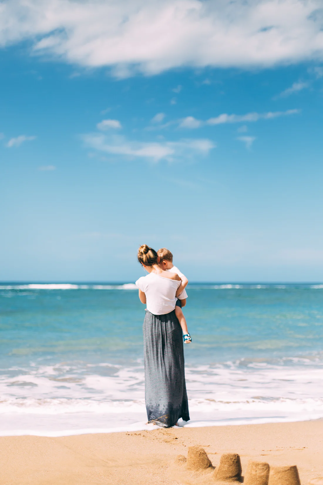 expat spouse with child