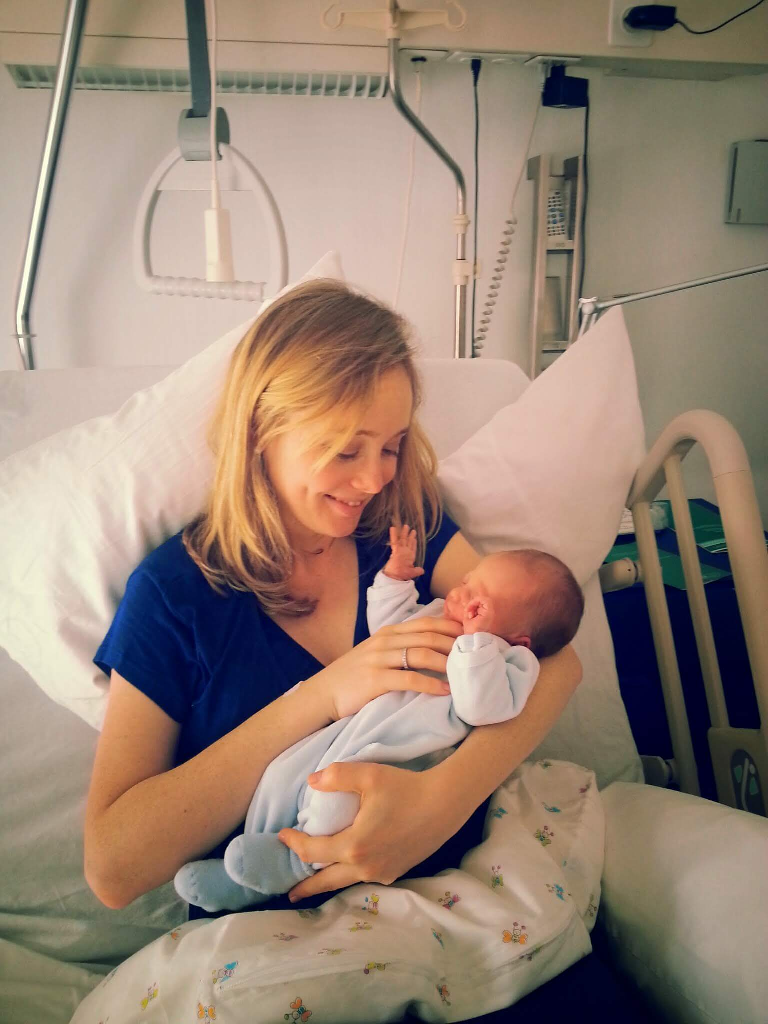 health insurance when giving birth abroad