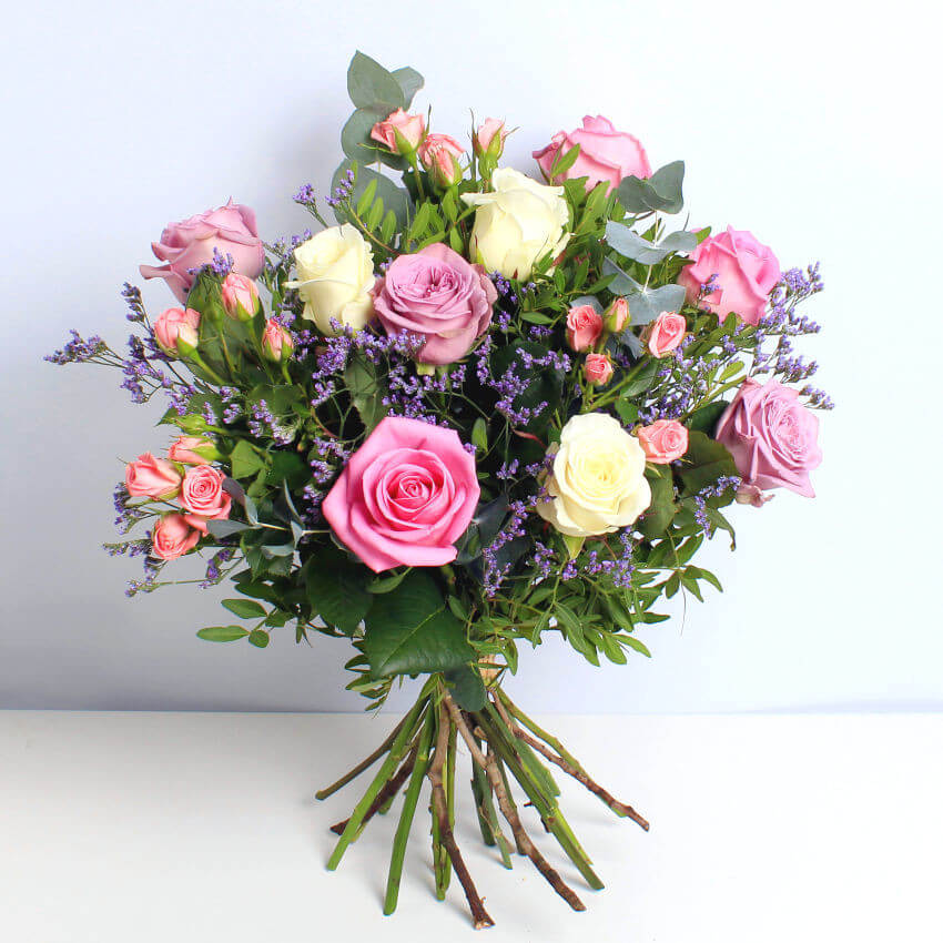 giveaway - win a bouquet of roses