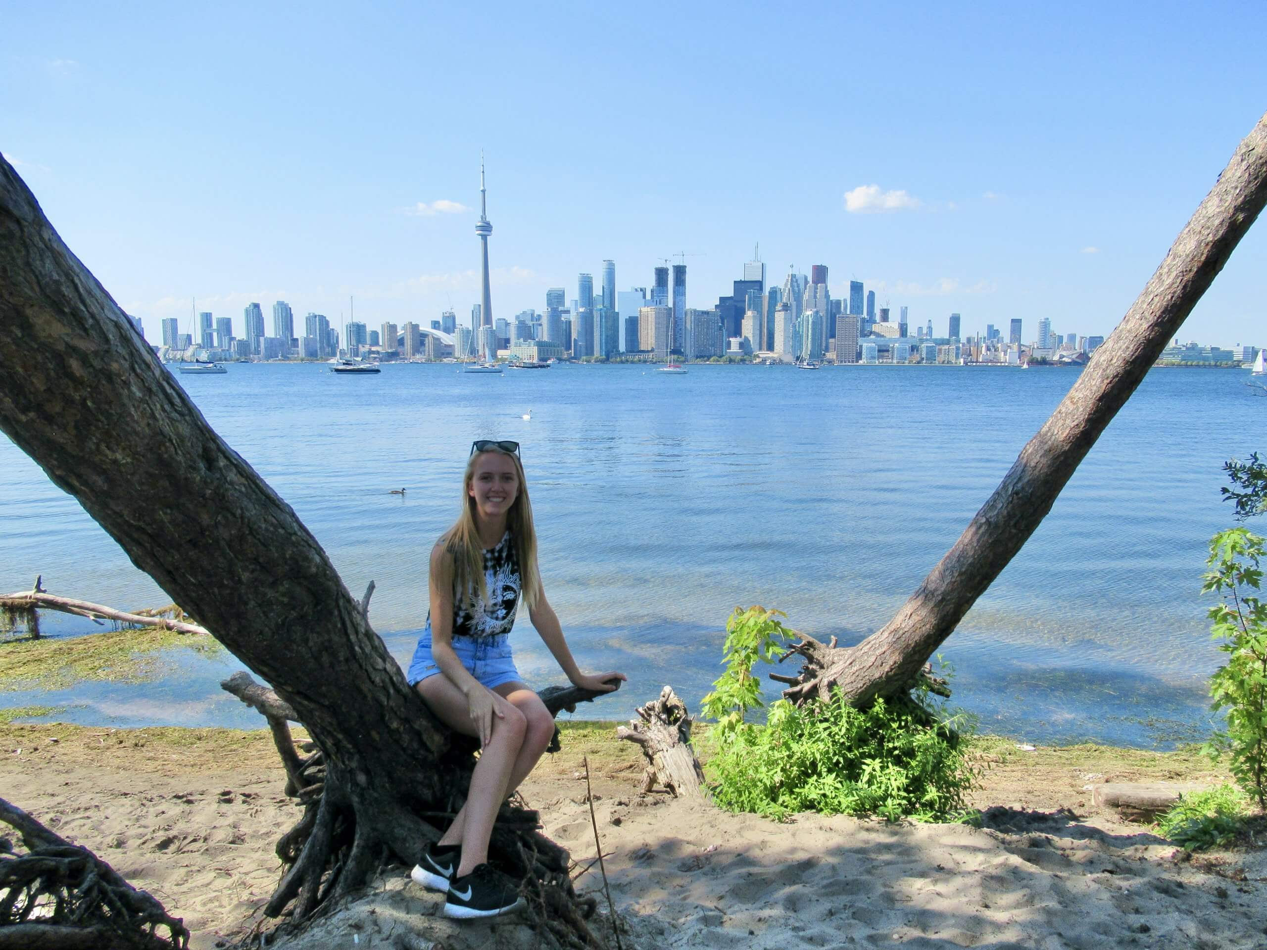 British woman moving to Toronto
